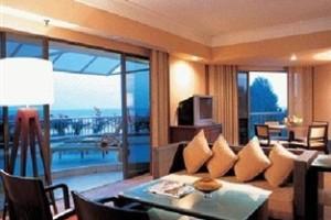 Ocean Palm Suite